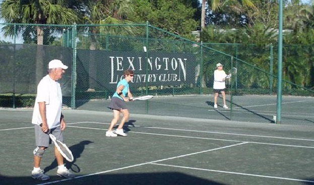 Tennis at Lexington Country Club